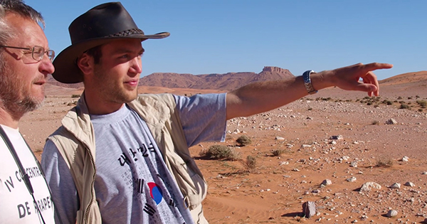 Summer in the Sahara: Students join professor on dinosaur hunt