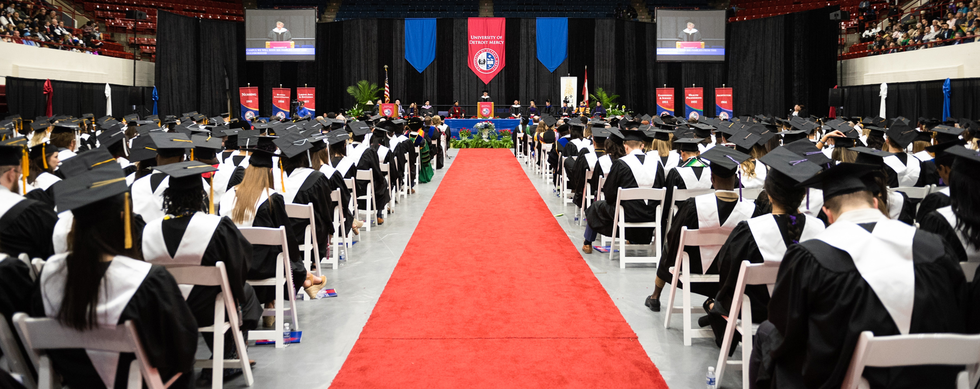 Commencement 2019 Procession aisleway