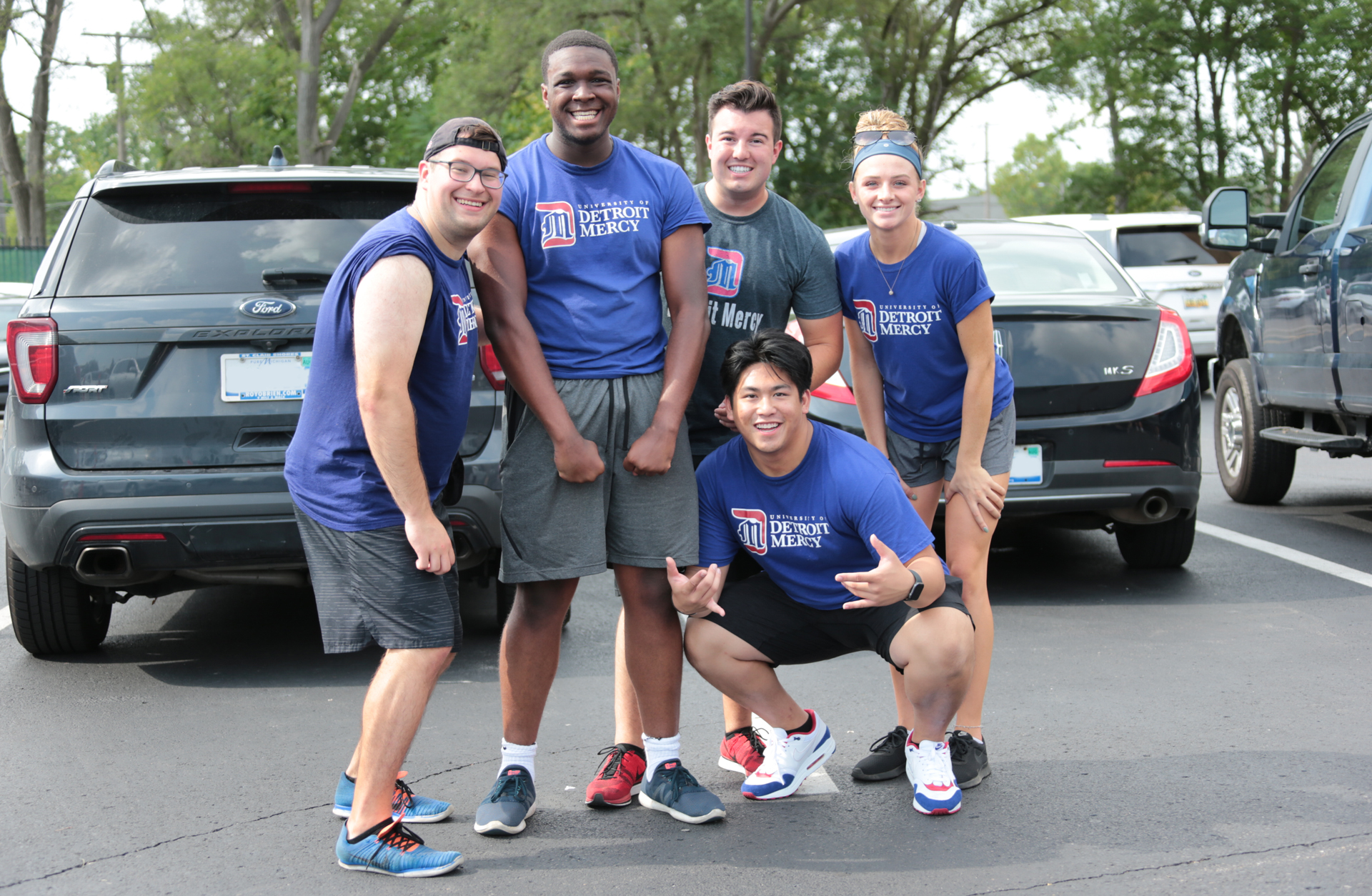 Detroit Mercy orientation leaders welcome student back to campus!